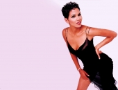 Halle Berry - Wallpapers - Picture 37 - 1024x768