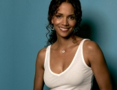 Halle Berry - Wallpapers - Picture 42 - 1024x768