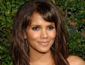 Halle Berry - Picture 158 - 427x600