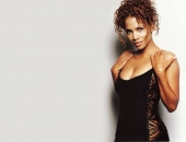Halle Berry - Wallpapers - Picture 22 - 1024x768