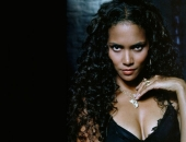 Halle Berry - Wallpapers - Picture 79 - 1024x768