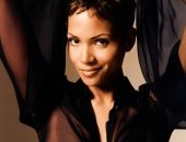 Halle Berry - Wallpapers - Picture 40 - 1024x768