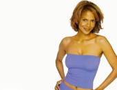 Halle Berry - Wallpapers - Picture 21 - 1024x768