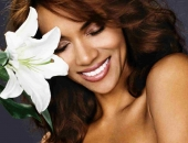 Halle Berry - Wallpapers - Picture 89 - 1024x768