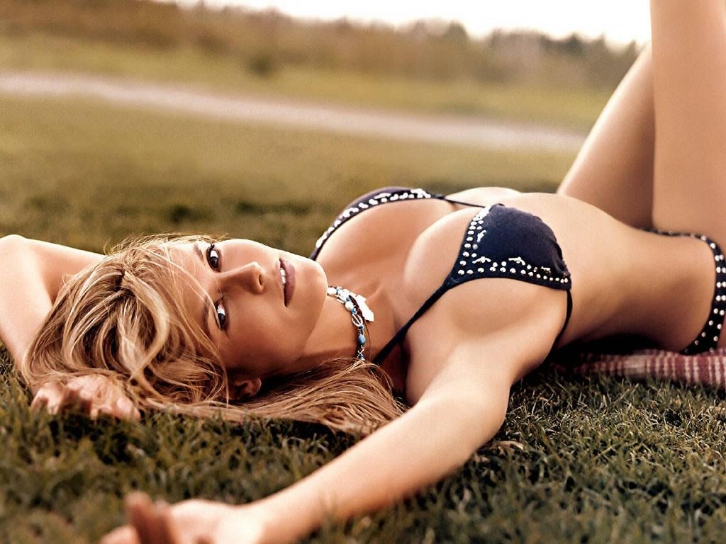 Female celebrity tv stars nude