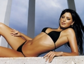 Holly Valance - Wallpapers - Picture 70 - 1024x768