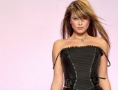 Holly Valance - Wallpapers - Picture 9 - 1024x768