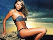 Holly Valance - Wallpapers - Picture 71 - 1024x768