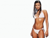 Holly Valance - Wallpapers - Picture 121 - 1024x768