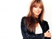 Holly Valance - Wallpapers - Picture 25 - 1024x768