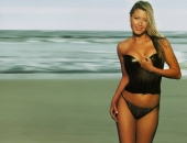 Holly Valance - Wallpapers - Picture 122 - 1024x768