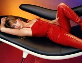 Holly Valance - Wallpapers - Picture 13 - 1024x768