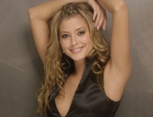 Holly Valance - Picture 42 - 1024x768
