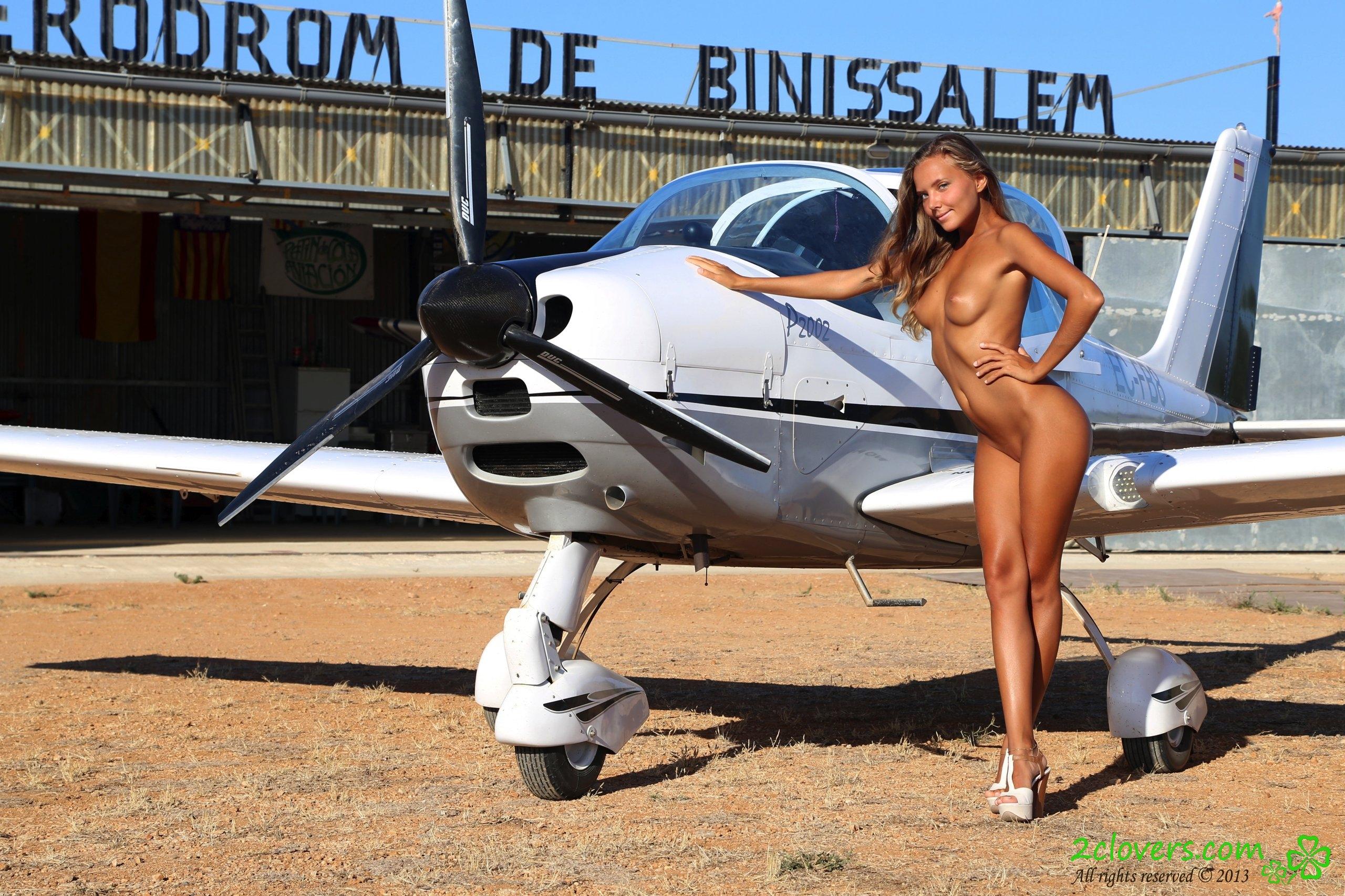 Photos naked airplane