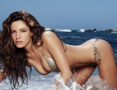 Kelly Brook - Wallpapers - Picture 1 - 1024x768