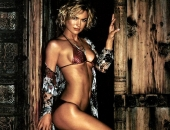 Kelly Carlson - Picture 10 - 767x1200