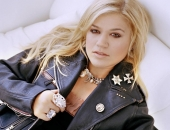 Kelly Clarkson - Picture 16 - 1024x768