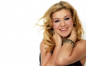 Kelly Clarkson - Picture 38 - 1024x768