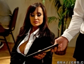 Lisa Ann - Picture 375 - 800x533