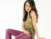 Mila Kunis - Wallpapers - Picture 10 - 1920x1200