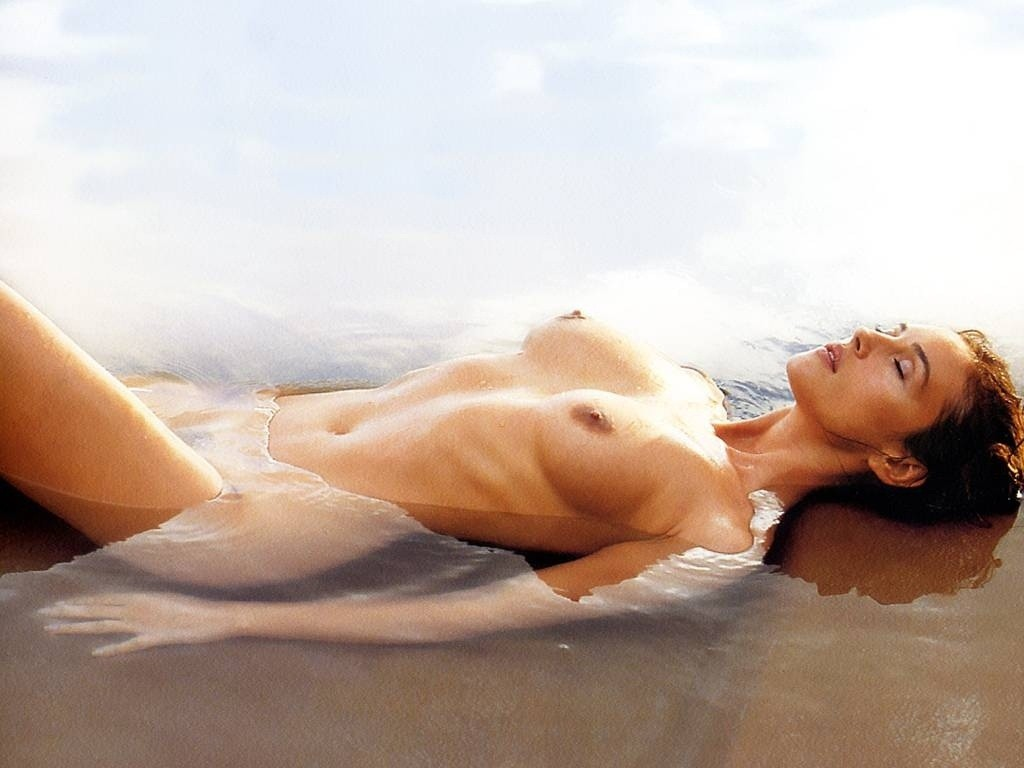 Monica bellucci nude pic, groups of hairy girl nudist bunnies