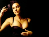 Monica Bellucci - Wallpapers - Picture 30 - 1024x768
