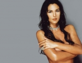 Monica Bellucci - Wallpapers - Picture 41 - 1024x768