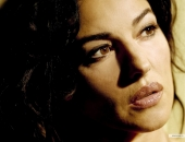 Monica Bellucci - Wallpapers - Picture 6 - 1600x1200