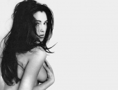 Monica Bellucci - Wallpapers - Picture 92 - 1024x768