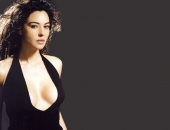 Monica Bellucci - Wallpapers - Picture 43 - 1024x768