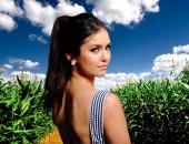 Nina Dobrev - Picture 49 - 1920x1200