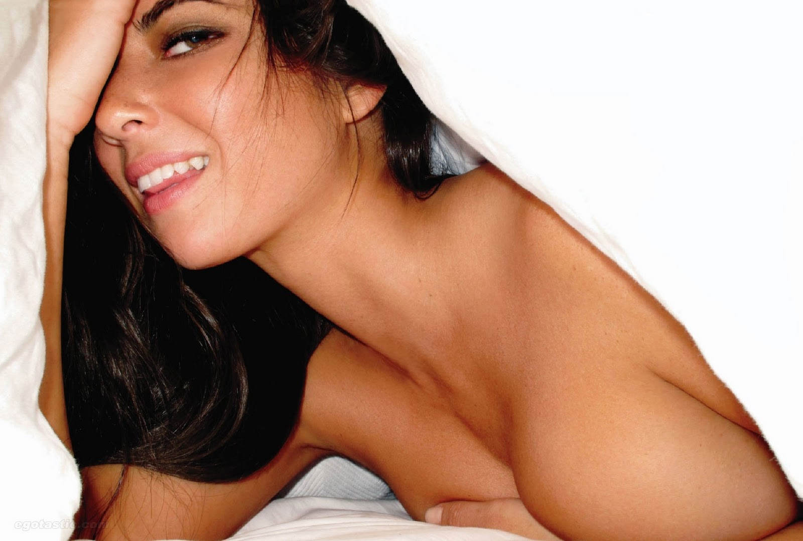 olivia-munn-nude-in-playboy