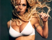 Pamela Anderson - Picture 316 - 377x500