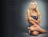 Pamela Anderson - Wallpapers - Picture 52 - 1024x768