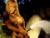 Pamela Anderson - Picture 84 - 611x800