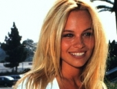 Pamela Anderson - Picture 321 - 300x430