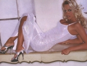 Pamela Anderson - Picture 320 - 709x489