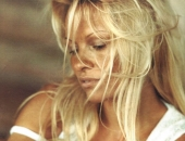 Pamela Anderson - Wallpapers - Picture 85 - 1024x768