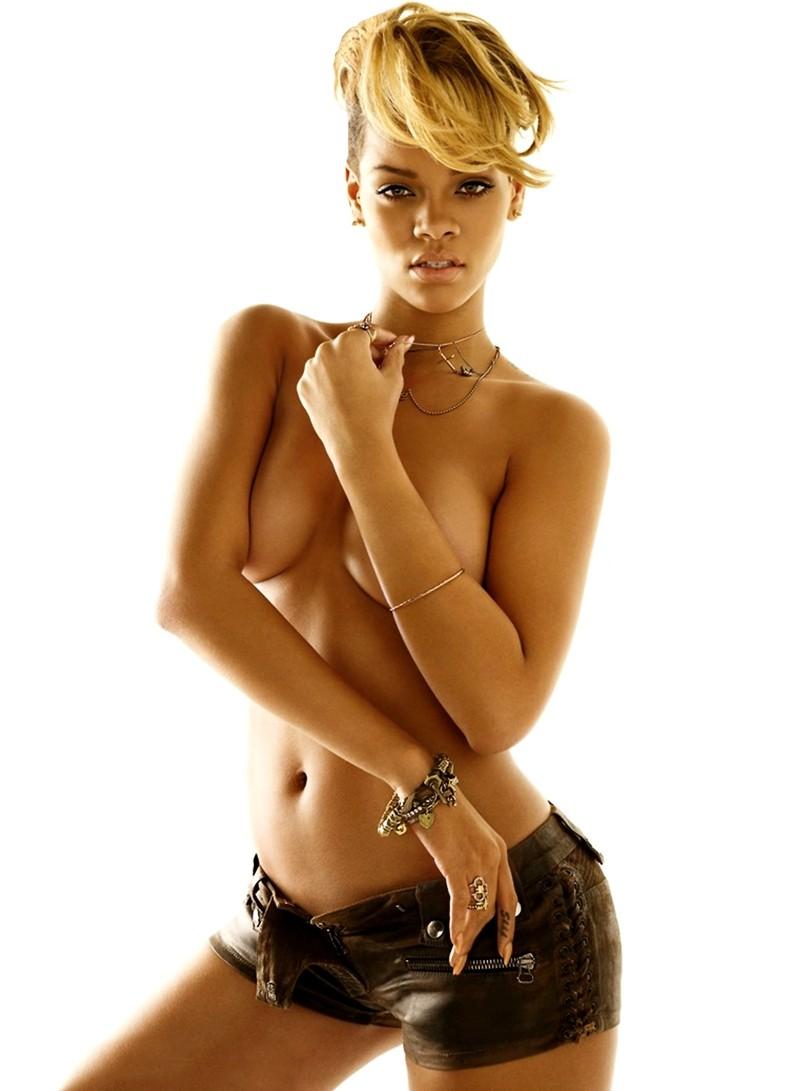 rihanna-gq-topless-pics