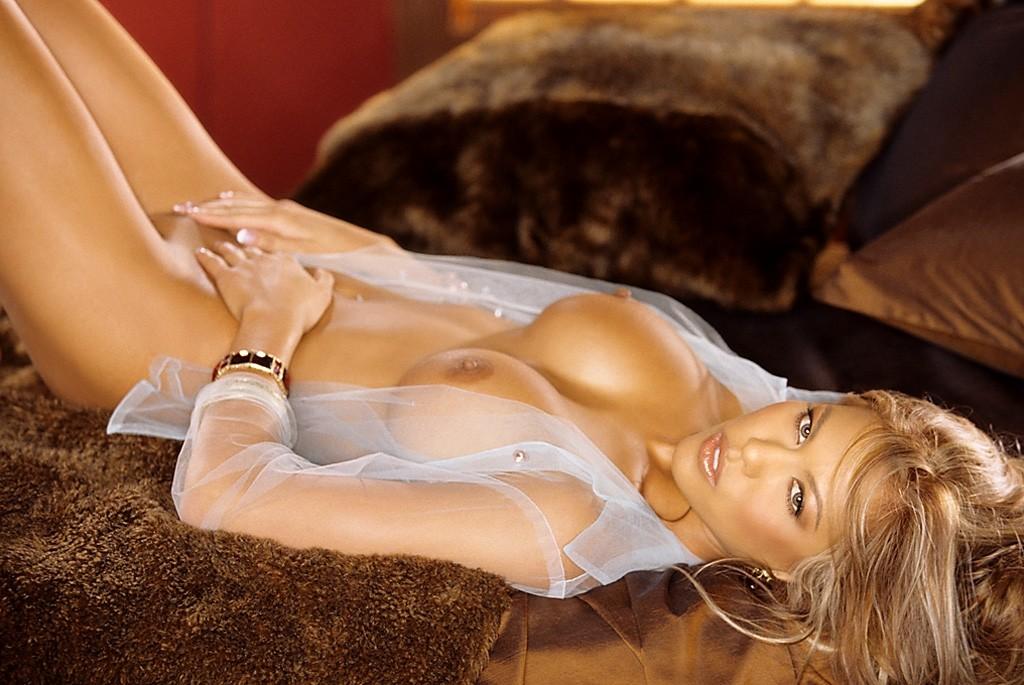 Gena lee nolin sheena sheena beautiful celebrity sexy nude scene