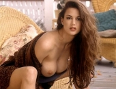Tiffany Taylor - Picture 33 - 486x720
