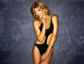 Tricia Helfer - Picture 15 - 1920x1200