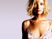 Uma Thurman - Wallpapers - Picture 6 - 1024x768