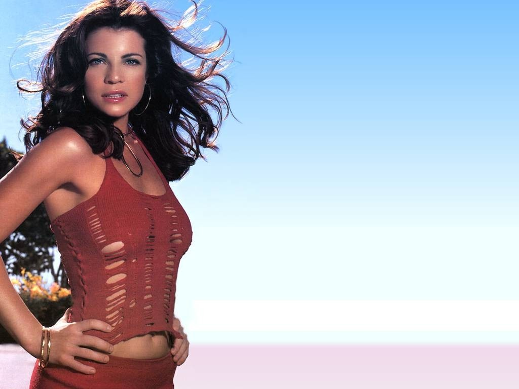 Yasmine Bleeth Caroline Holden From Baywatch
