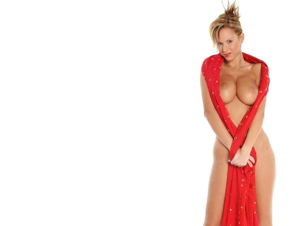 Zuzana Drabinova Strips Sexy 1